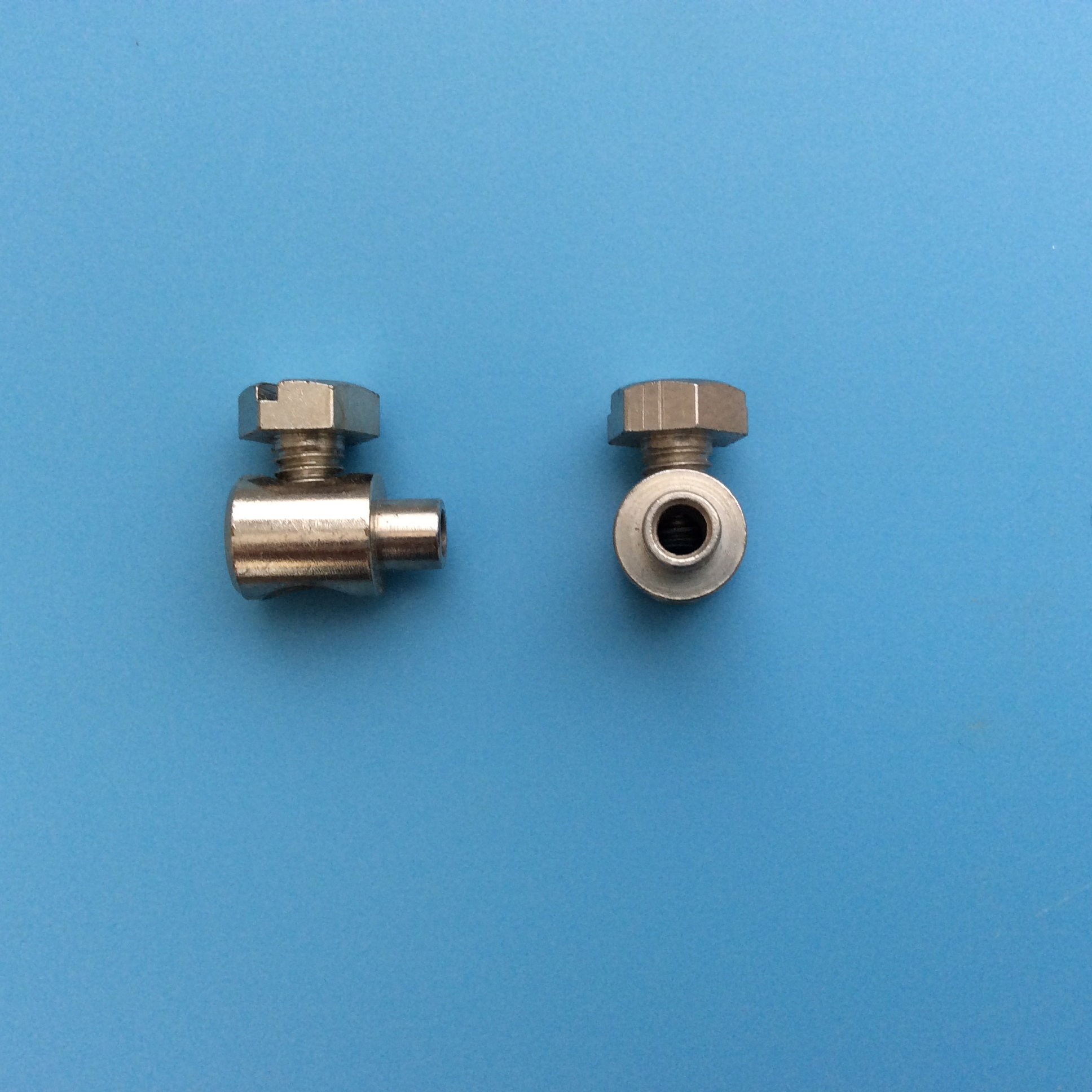 Pleated Roof Blind Cord Tensioner